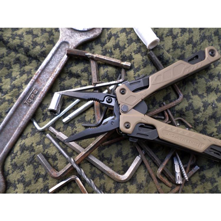 Multi-Tool OHT, Coyote, Leatherman